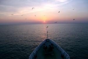 """""""一带一路""""与中国在南海的战略平衡"""