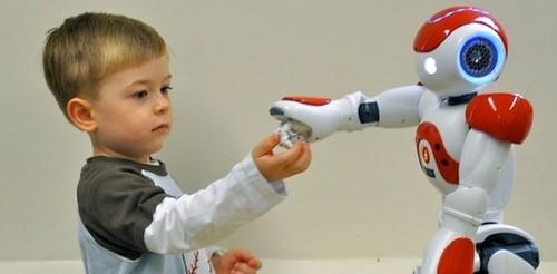 机器人NAO能帮助自闭症儿童克服社交障碍