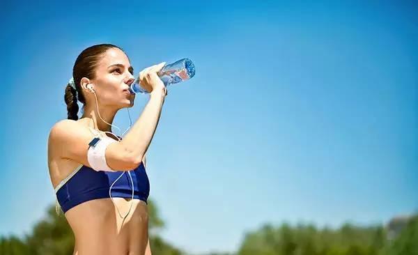 晚上喝水竟然这么重要,多喝水不如会喝水!