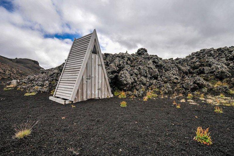 冰岛小木屋厕所